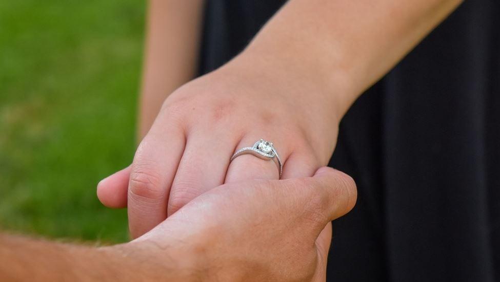 Mountain marriage proposal